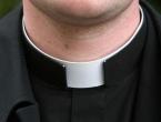 Papa Franjo omogućit će katoličkim svećenicima da se žene