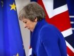 Oslabljena May ide u Bruxelles tražiti pomoć za Brexit