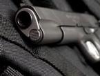 Malodobni dječak poginuo igrajući se s očevim pištoljem
