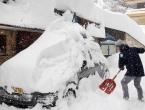 Snijeg nastavlja padati, počela evakuacija skijališta
