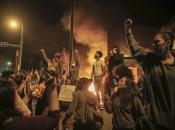 Rasni neredi i nasilni prosvjedi šire se Amerikom nakon što je policija ubila Georga Floyda