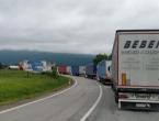 Gužva na graničim prijelazima BiH i Hrvatske, kolone sežu i do 10 kilometara
