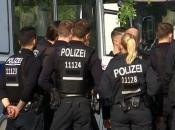 Njemačka: Muškarac nožem napao putnike u autobusu
