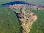 Vrata pakla: Gigantska rupa u Rusiji raste, nestaju snijeg i led