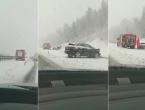Snježna oluja izazvala prometni kaos u Hrvatskoj