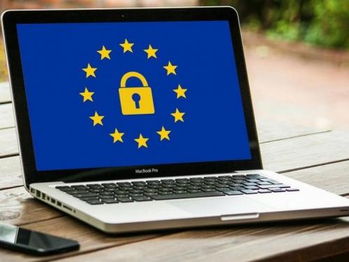 EU daje 30 milijuna eura za internet na Balkanu