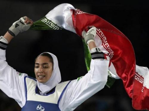 "Iran: ''Vrlina žene nije da rasteže noge"""