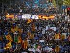 """Deseci tisuća ljudi hodaju Barcelonom s porukom """"Ne bojim se"""""""