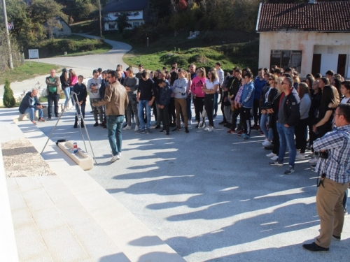 FOTO: Učenici ramskih Osnovnih škola posjetili Uzdol