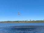 Pecao ribu viseći s drona kućne izrade