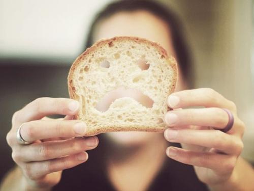 Pet znakova da jedete previše kruha