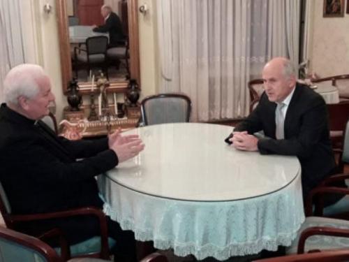Biskup Komarica u razgovoru s Inzkom: Zašto se prešućuju i ne procesiraju zločini nad Hrvatima