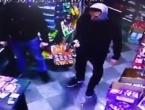 VIDEO: Pogledajte ako je hrabri taksista spriječio pljačku benzinske crpke u Tešnju