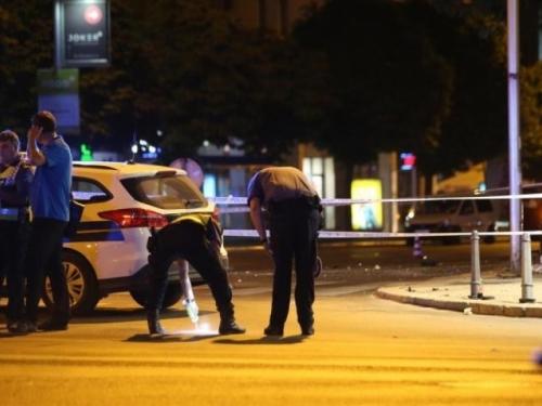 U sudaru dva vozila stradali pješaci