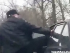 VIDEO: Nasilnik tukao starca a onda se pojavio heroj s palicom