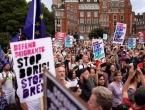 """Britanci na ulicama zbog odluke Borisa Johnsona: """"Ovo je državni udar"""""""