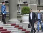 "Vučić napustio sastanak: ""Srbija protiv referenduma u RS-u"""