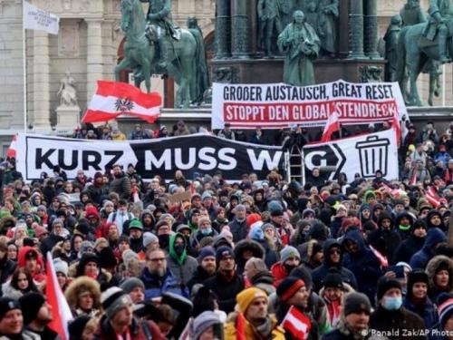 U Beču prosvjedi protiv mjera za suzbijanje pandemije koronavirusa