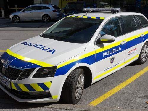 Vlasnik kafića sakrio goste pa uvjeravao policiju da ne rade, svi su zaradili kaznene prijave