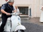 Vespa postaje novi Papamobil