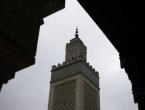 Čak 57 posto mladih francuskih muslimana više poštuje šerijat nego francuske zakone