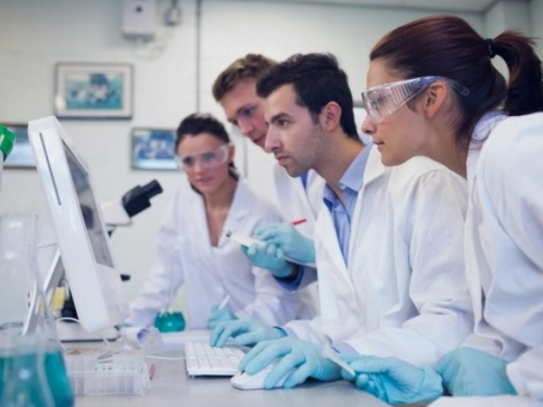 Ruski znanstvenici razvijaju lijek protiv raka dostupan svima