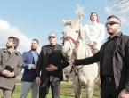 Beli građanima Srbije obećao Lamborghini, Apple tvornice i svemirsku agenciju