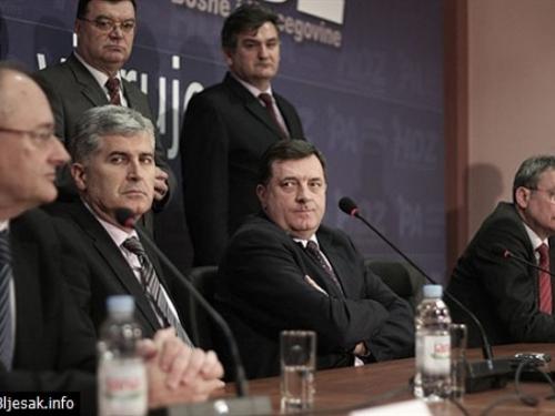Dodik potvrdio da će s Čovićem raspravljati o temi koju SAD brani