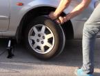 Istrošio vam se akumulator? Evo kako ćete upaliti auto!