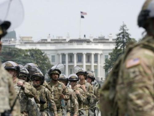 Najmanje 200 pripadnika Nacionalne garde koji su služili na inauguraciji zaraženo koronavirusom