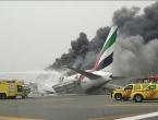 Avion se srušio i zapalio pri slijetanju, svi putnici preživjeli