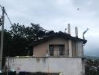 Jak vjetar rušio stabla po Zagrebu, čupao krovove