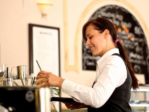 Hotelijeri iz Hrvatske traže 15.000 radnika iz Hercegovine