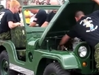 Vojnici rastavili Jeepa u manje od 60 sekundi