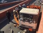 Policija pucala na kamion pun plinskih boca