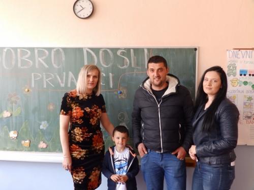 FOTO: U OŠ fra Jeronima Vladića Ripci upisan 21 prvašić