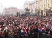Doček u Zagrebu: Tisuće građana čeka srebrne Kauboje