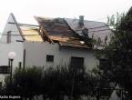 Kupres pogodilo jako nevrijeme: Vjetar nosio krovove