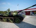 Vukovarski tenk postavljen ispred stadiona Crvene zvezde