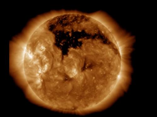 Ogromna koronalna rupa se pojavila na Suncu