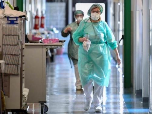 U Hrvatskoj 828 novozaraženih, 15 osoba umrlo
