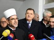 Dodik donirao 100.000 KM za izgradnju Islamskog centra u Doboju