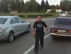 Vozač autobusa iz Rusije krenuo u obračun s bahatim sudionicima prometa