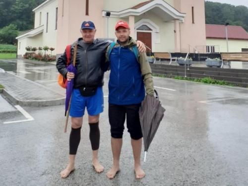 Punac i zet bosih nogu krenuli na hodočašće Svetom Ivi u Podmilačje