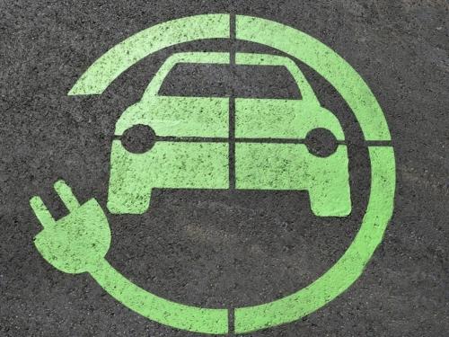Električni automobili će se za 6 godina izjednačiti s uobičajenima