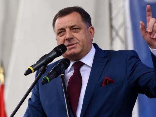 Dodik: Izetbegović je izgubljena i irelevantna politička osoba