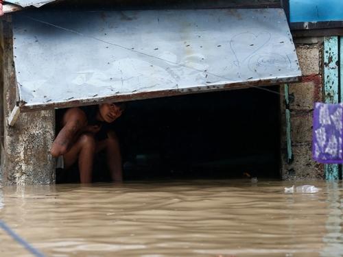 Supertajfun ubio 25 ljudi na Filipinima, a sad je ojačao i ide prema Hong Kongu