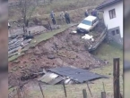 Fojnica: Klizište uništilo pomoćni objekt i ugrozilo kuću