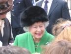 """Engleska kraljica pristala da joj se godišnja """"plaća"""" smanji na samo 50 milijuna dolara"""
