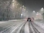 Odron kod Konjica usporio promet, kamioni u snijegu zaglavljeni kod Jablanice